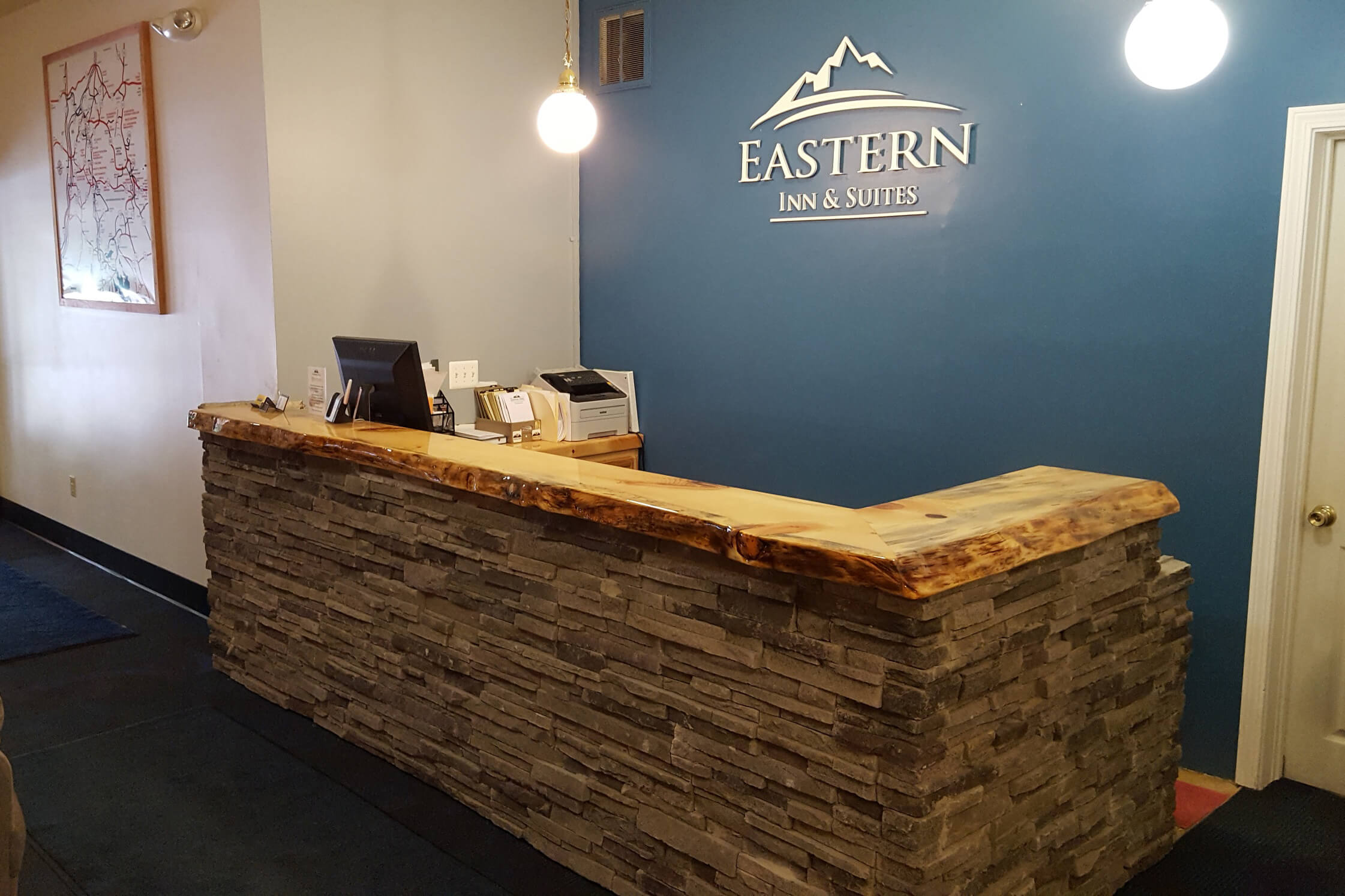 Eastern Inns Front Desk